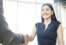 Salary Negotiation : Steps To Maximise Your Career's Worth